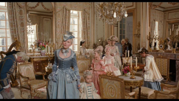Marie-Antoinette-historical-fashion-and-costuming-32094760-1020-576